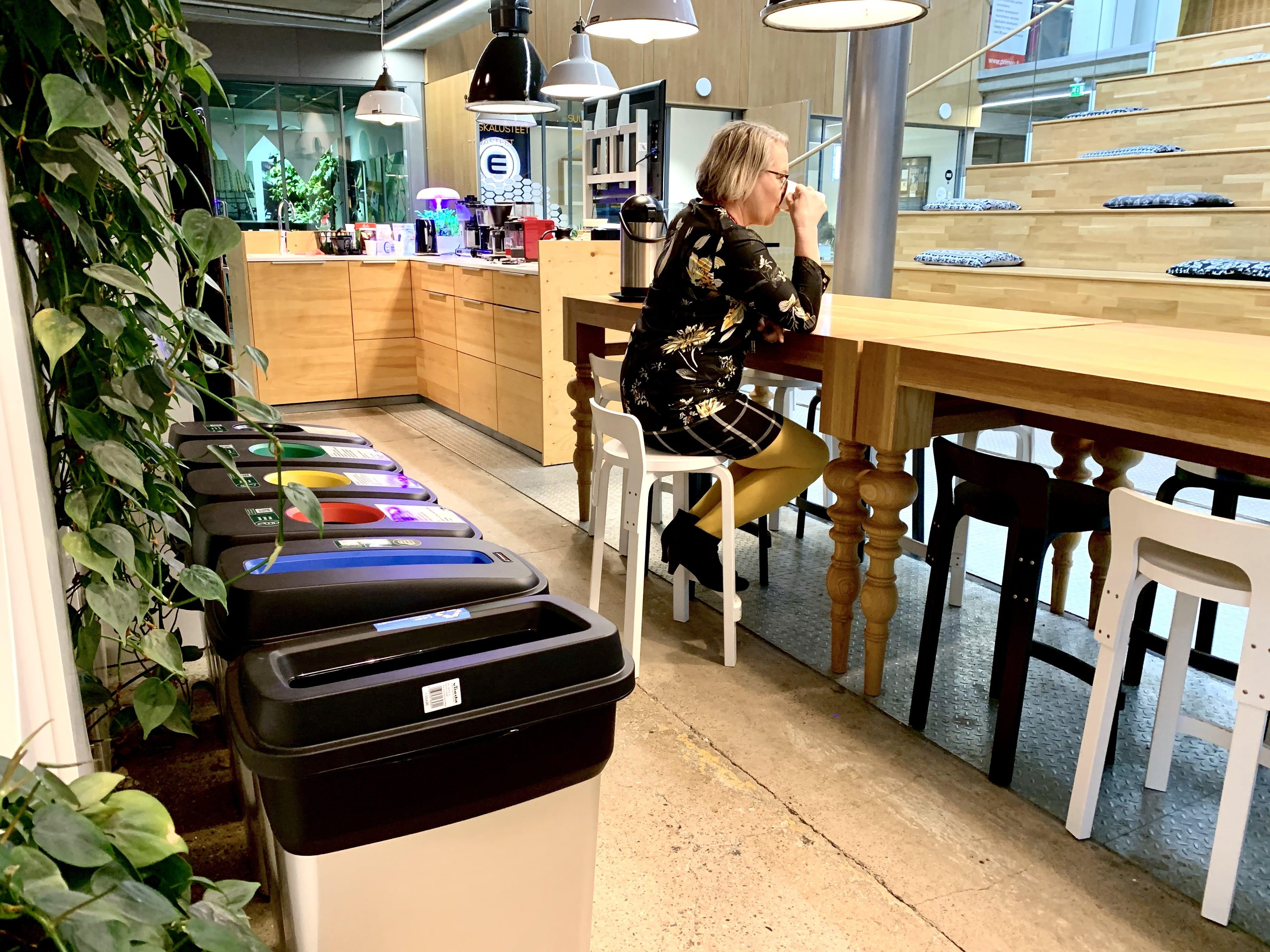 Muovi kiertää nyt toimitiloissa
